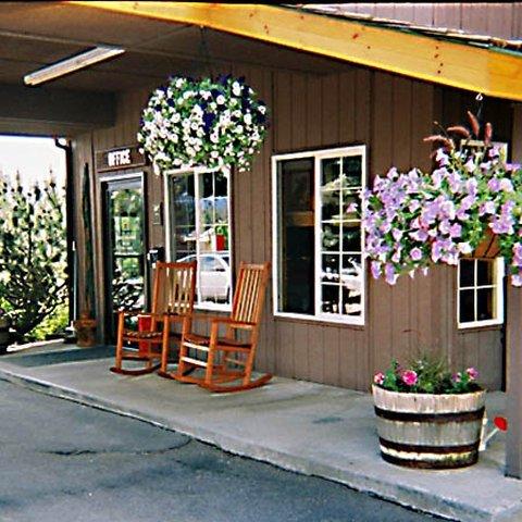 фото Chalet Motel Whitefish 487956871