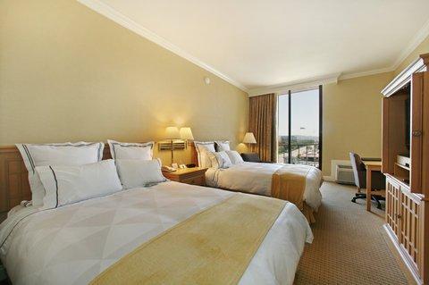 фото Radisson Hotel Newport Beach 487959308