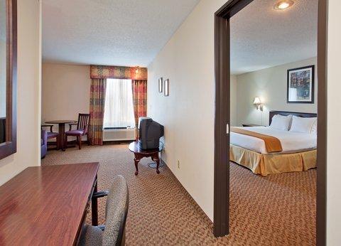 фото Holiday Inn Express Lake Of The Ozarks 487960557