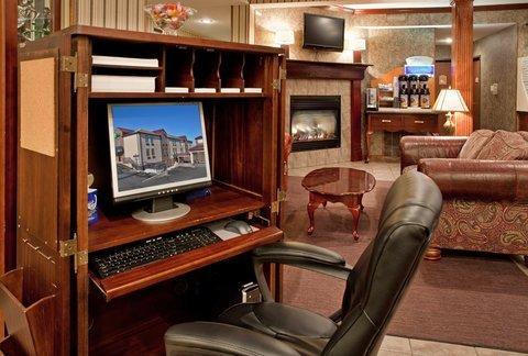 фото Holiday Inn Express Lake Of The Ozarks 487960568