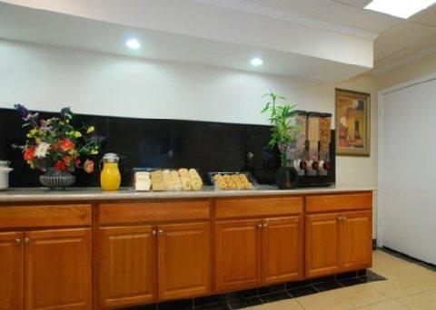 фото Econo Lodge Shamrock 487961741