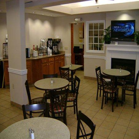 фото La Quinta Inn & Suites Jackson Airport 487961779