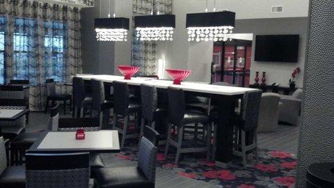 фото Hampton Inn & Suites DuPont 487964934