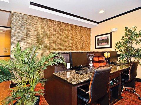 фото La Quinta Inn & Suites Auburn 487964977