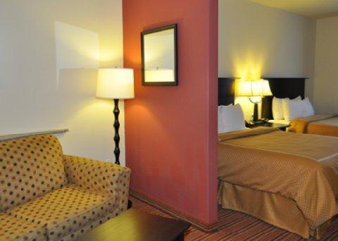 фото Comfort Suites Alexandria 487968510