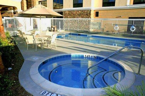 фото Hampton Inn Suites Seal Beach 487968885