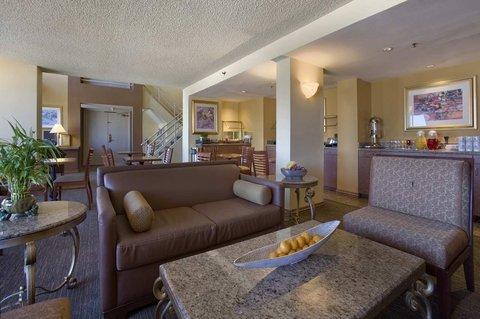 фото Hilton Woodland Hills/ Los Angeles 487973540