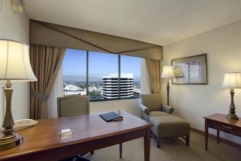 фото Hilton Woodland Hills/ Los Angeles 487973547