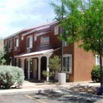фото Santa Fe Suites 487973736