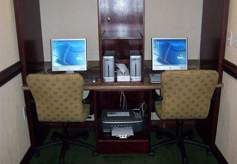фото Fairfield Inn & Suites Detroit Farmington Hills 487973875