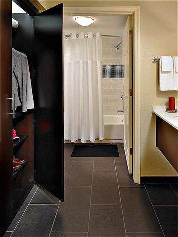 фото Staybridge Suites Tyler University Area 487975734