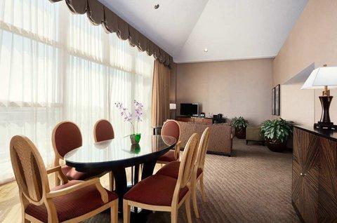 фото Embassy Suites Brea - North Orange County 487976458
