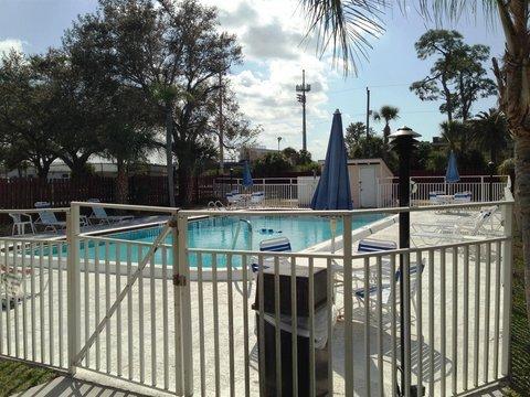 фото Howard Johnson Inn - Sarasota Fl 487977524