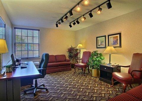 фото Quality Inn & Suites Mansfield 487980596