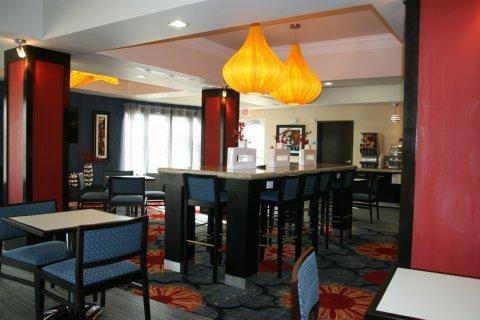 фото Holiday Inn Express & Suites Corpus Christi - North 487982537
