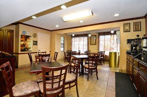 фото Best Western Garden Inn & Suites 487988078