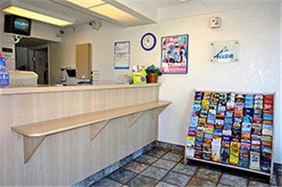 фото Motel 6 Costa Mesa 487988401