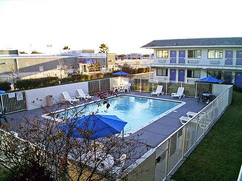фото Motel 6 College Station - Bryan 487990650
