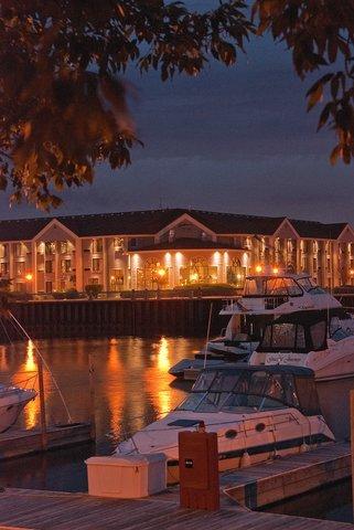 фото Radisson Hotel Racine Harbourwalk 487991156