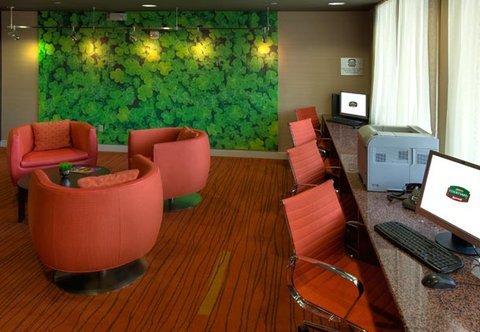фото Courtyard Roanoke Airport 487995165