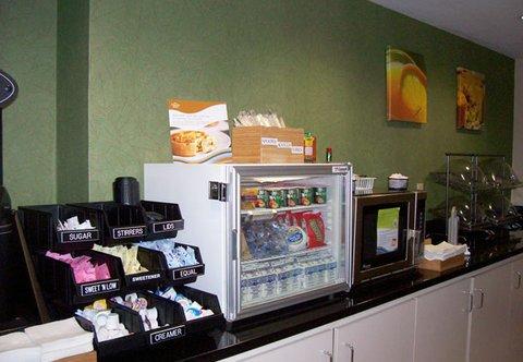 фото Fairfield Inn by Marriott Suites Macon 487995740