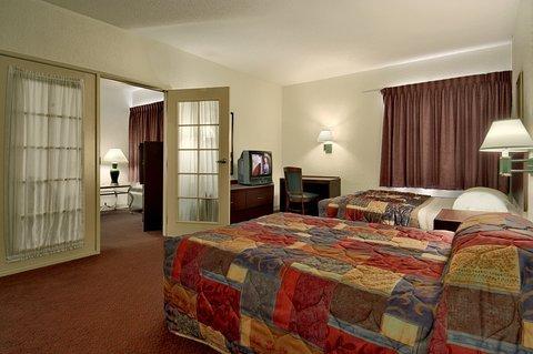 фото Red Roof Inn Macon 487998970