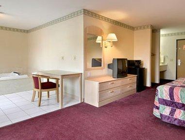 фото Holiday Inn Mount Vernon 487999260