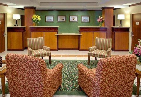 фото Fairfield Inn by Marriott Medford Long Island 487999688