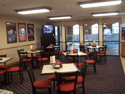 фото Holiday Inn Express Auburn - Touring Drive 488001915