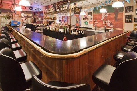 фото Holiday Inn Middletown Goshen 488004597