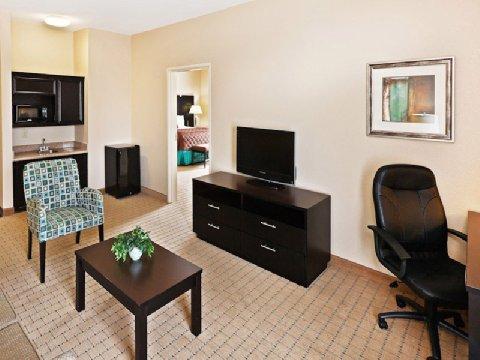 фото La Quinta Inn & Suites Palestine 488005369
