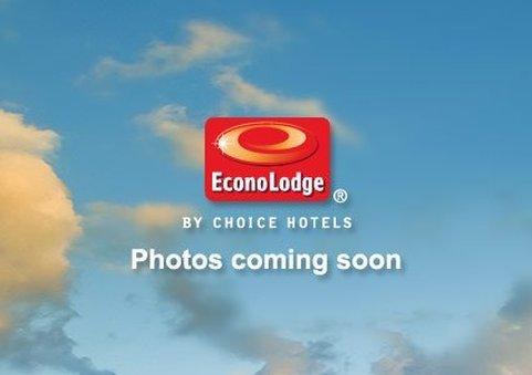фото Econo Lodge Inn and Suites Pensacola 488006609