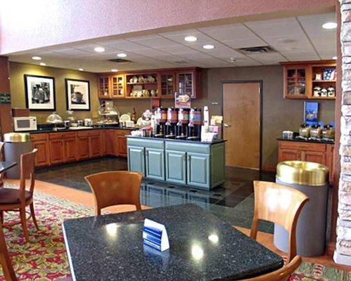 фото Hampton Inn & Suites Petoskey 488007196