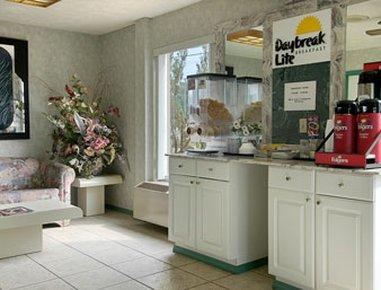 фото Days Inn - West Point 488008267
