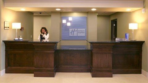 фото Holiday Inn Express & Suites Verona 488015659
