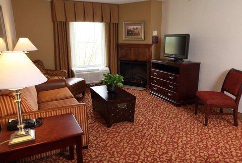 фото Hampton Inn & Suites Charlottesville at the University 488015977
