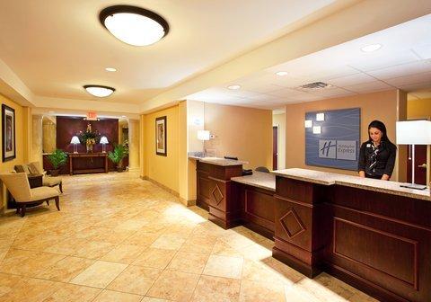 фото Holiday Inn Express & Suites Niagara Falls 488016087