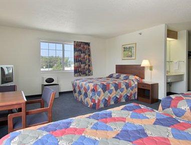 фото Super 8 Motel - Emmetsburg 488016259
