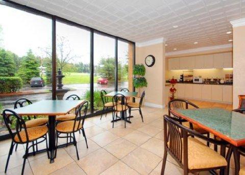 фото Comfort Inn Cranberry Township 488018994