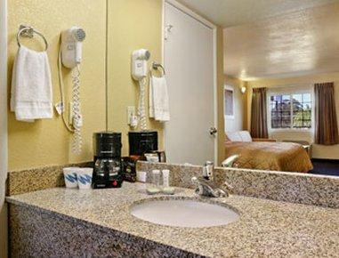 фото Rodeway Inn El Cajon 488020306