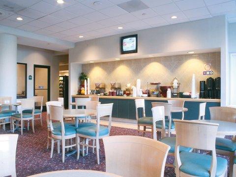 фото La Quinta Inn & Suites Buena Park 488020363