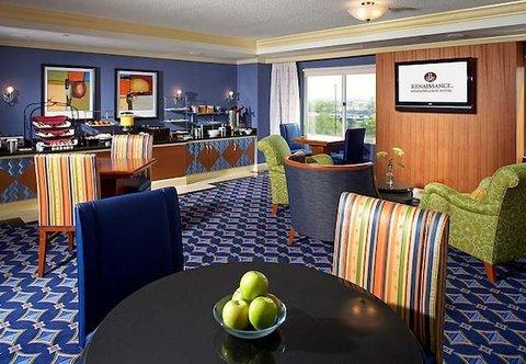 фото Renaissance Meadowlands Hotel 488020951