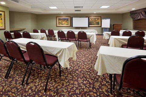 фото Holiday Inn Express Hotel & Suites Marina 488022652