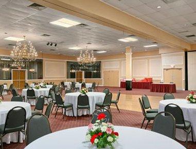 фото Days Inn Butler Pennsylvania 488023864