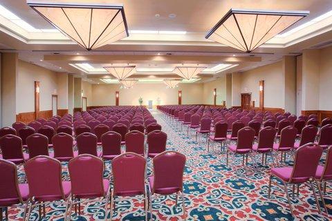 фото Holiday Inn Plaza - Visalia 488026178