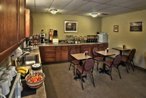 фото Boulder Twin Lakes Inn 488029666