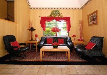 фото Rodeway Inn Mukwonago 488029706