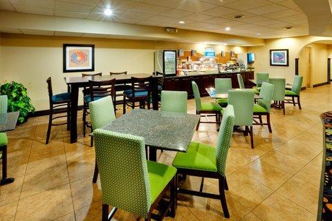 фото Holiday Inn Express Owego 488033174
