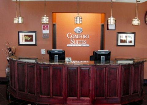 фото Comfort Suites Topeka 488034306