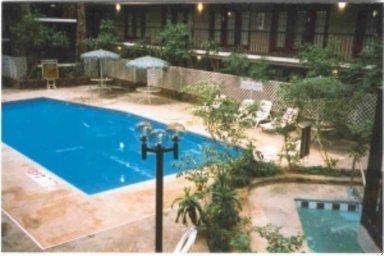 фото La Kiva Hotel And Convention Center 488036077